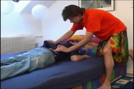 Porno videos dun frère qui séduit son frère et couche avec lui